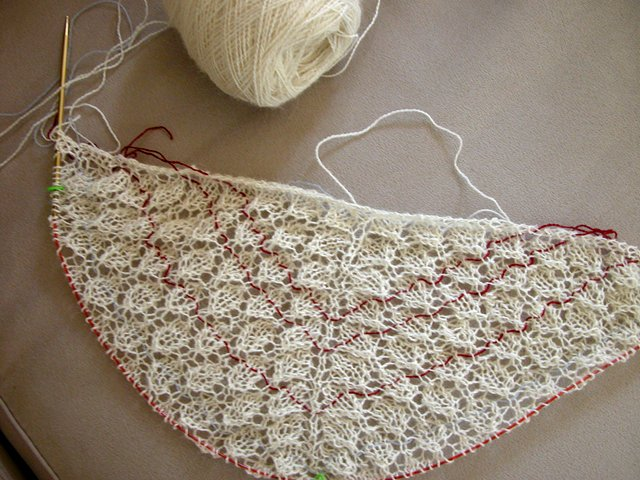 Knitting Lifelines In Lace : So this is my first swallowtail with nine repeats i am